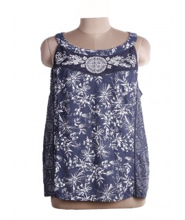 Women Sleeveless & Embroiderd Top